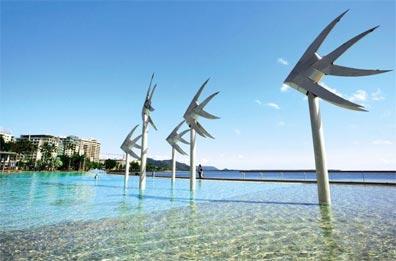 »Australisches Panorama: Cairns Esplanade«