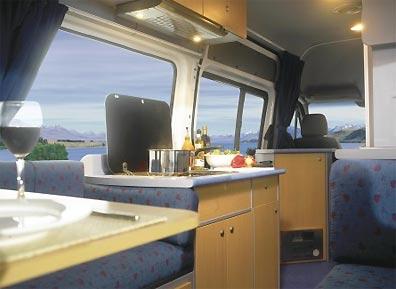 »Innenansicht Maui Wohnmobil / 2 Schlafplätze«