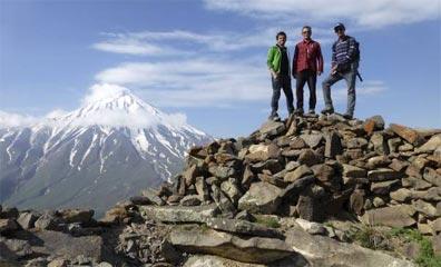 »Am Gipfel des Zardesars mit Blick auf den Damavand«