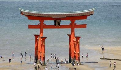 »Trekking und Kultureise Japan: Makaken, Geishas und Fuji-san«