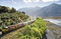 »Kiwi Rail Zugfahrten durch Neuseeland«