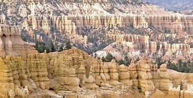 »Glitzernde Wüstenstadt & Tosende Wasserfälle«