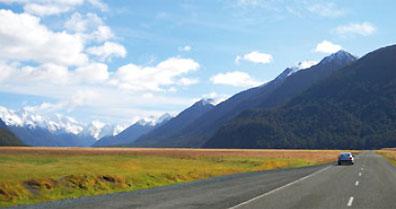 »Mietwagenreise Neuseeland: unabhängig auf vier Rädern«