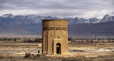 »Nordpersien: Grabturm in der nordiranischen Provinz Semnan«