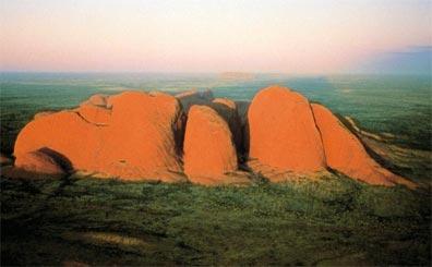 »Australisches Panorama: Kata Tjuta (Olgas)«