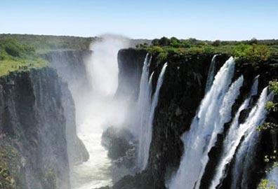»Erlebnisreise Okavango-Delta, Chobe & Victoria Fälle«