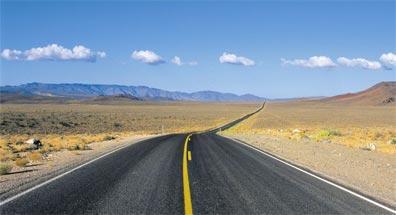 »Grandioser Westen: Straße in der Mojave-Wüste«