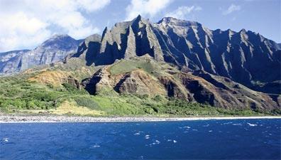 »Inselträume Hawaii: einsamer Strand auf Kauai«