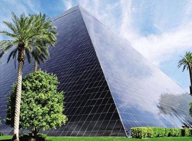 »Ihr Hotel in Las Vegas: Luxor Hotel & Casino ****«