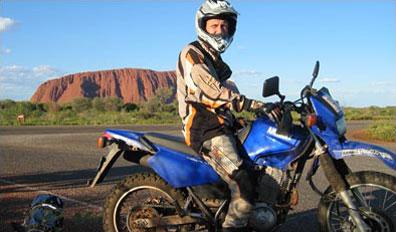 »Ab durch die Mitte: Enduro-Motorradtour durch Australien«