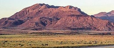 »Namibia Explorer: Reise durch faszinierende Landschaften«