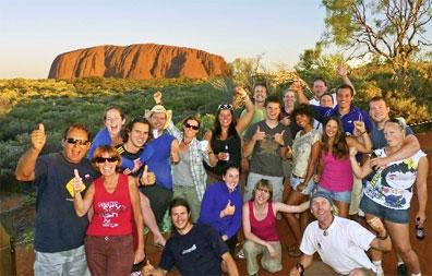 »Der magische Uluru - Campingtour Opale & Outback Australien«