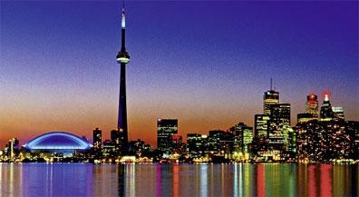 »Eastern Canada: Die Skyline von Toronto«