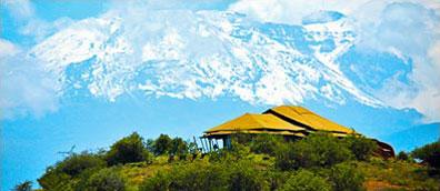 »Serengeti Tansania - Traumhafte Aussicht auf den Kilimanjaro«