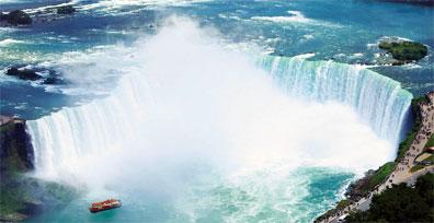 »Ostkanada Reise: Niagarafälle mit Hornblower Niagara Cruises«