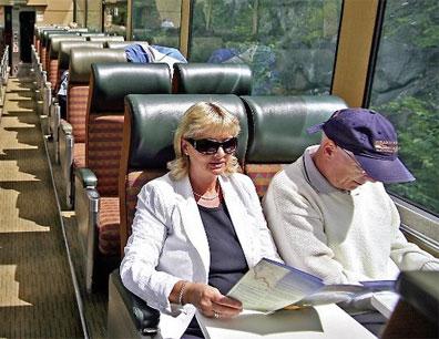 »Mit dem Zug durch Kanada reisen: Im Panoramawagen«