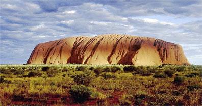»Traumzeit Australien: Sonnenaufgang am Uluru (Ayers Rock)«