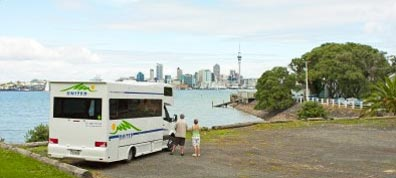 »Wohnmobilvermieter in Neuseeland: günstige Campervans«